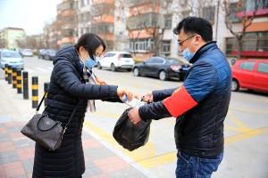 天津滨海:海滨街幸福社区开展学雷锋志愿活动